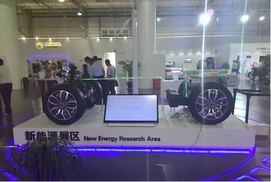 """核心是""""智能互联"""",5000余平方米的展厅涵盖动力,装备,电气,新能源"""